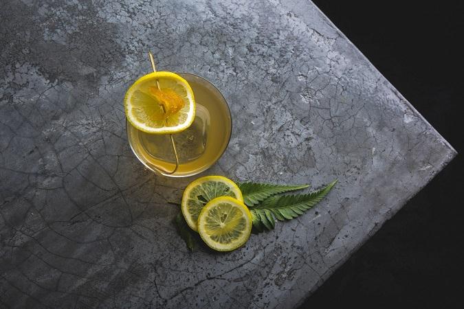 coctel limon rodajas