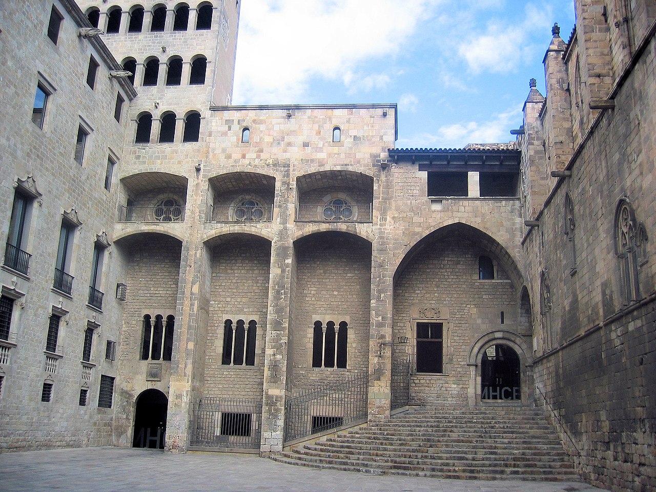 plaza del rey barcelona