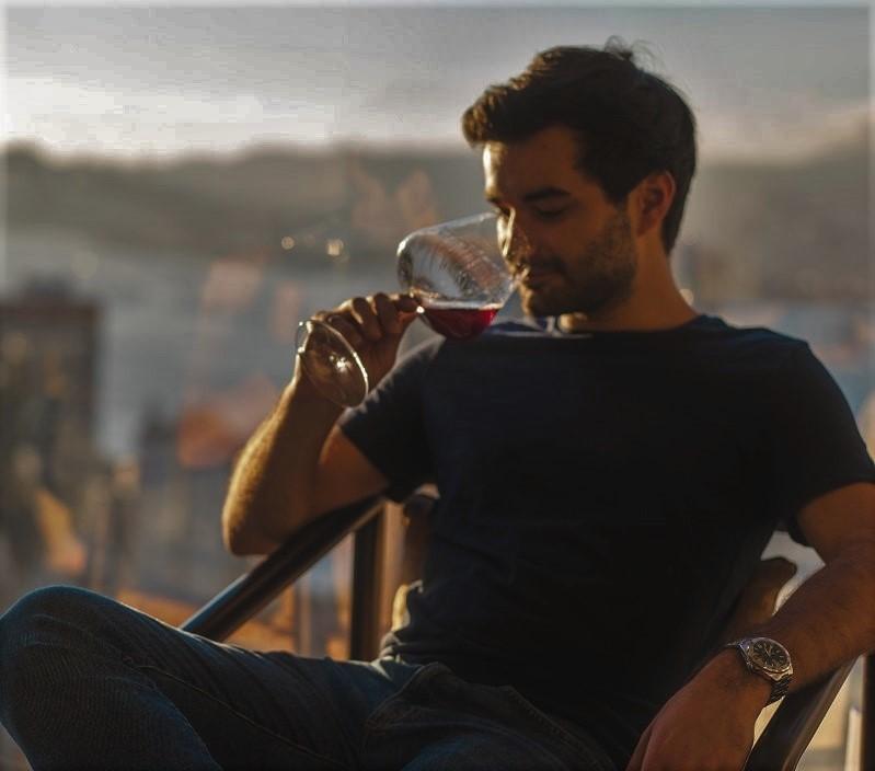 ¿Cuántas calorías tiene una copa de vino?