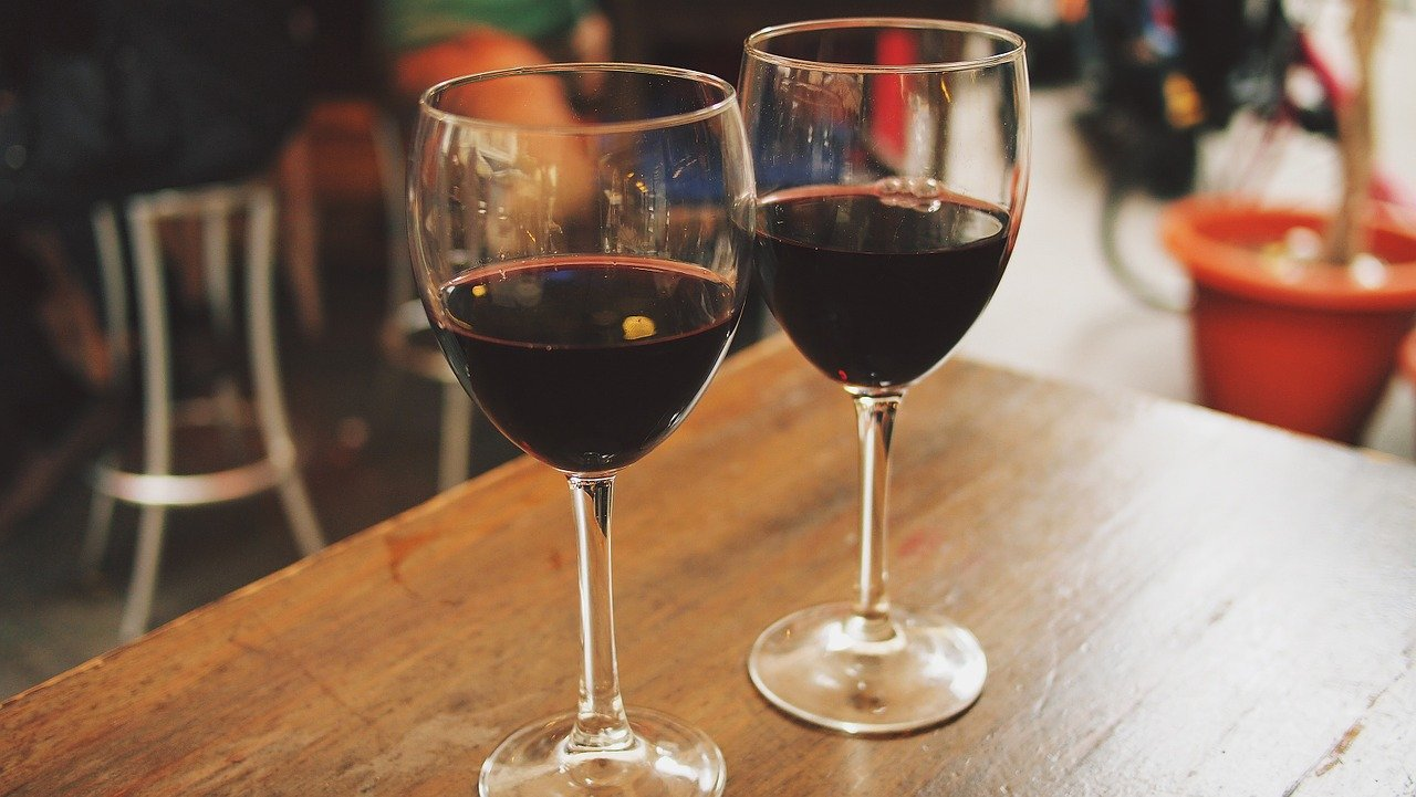 Consejos para crear en tu casa tu propia bodega de vinos